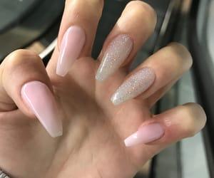 nails, uñas, and baddie image
