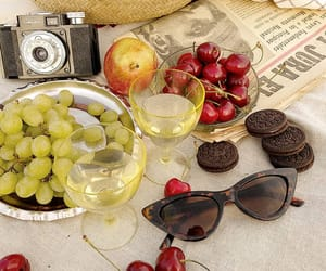 aesthetic, apple, and picnic image