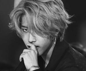 black and white, han jisung, and 한지성 image