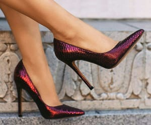 heels, sapatos, and shoes image