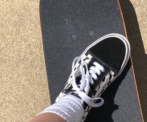 aesthetic, iphone, and skateboard image