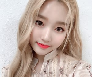 loona, gowon, and chaewon image