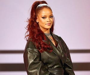 rihanna and bet awards image