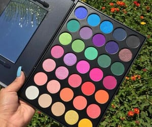 eyeshadow, makeup, and palette image