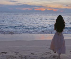 aesthetic, ulzzang, and beach image