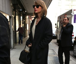 video, taylor swit, and calm dowm image