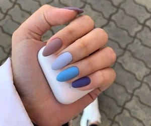 style and nails image