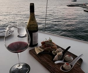 food, sea, and wine image