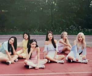 kpop and loona image