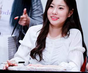 girl group, k-pop, and hyewon image