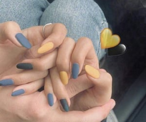 nails and couple image