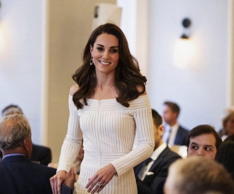 article, fashion, and royal image