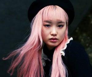 model, pink hair, and fernanda ly image