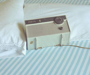 bed, retro, and blue image