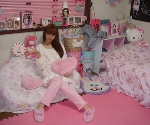 bedroom, girly, and dolly image