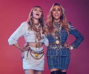 miley cyrus, tish cyrus, and mothers daughter image