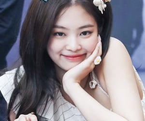 girl, rapper, and jennie image