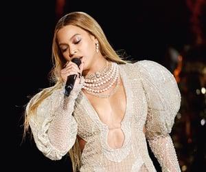 celebrities, homecoming, and Queen image
