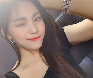 asian, umji, and gfriend image