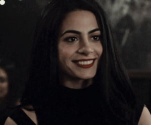 isabelle lightwood, emeraude toubia, and emeraude toubia icon image