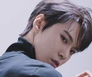 article, kpop, and doyoung image