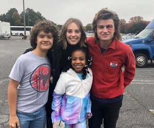 stranger things, joe keery, and robin image