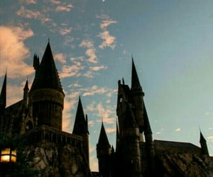 wallpaper, harry potter, and hogwarts image