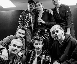 5sos, jonas brothers, and Joe Jonas image