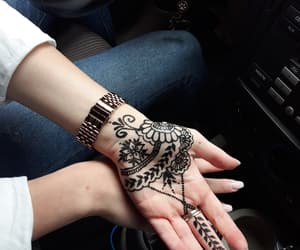 henna and friends image