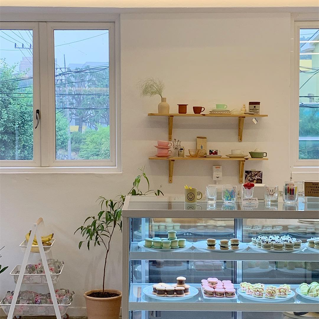 48 Images About Korean Cafe Aesthetic On We Heart It See More About Cafe Interior And Place