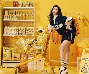 k-pop, yellow, and sunmi image