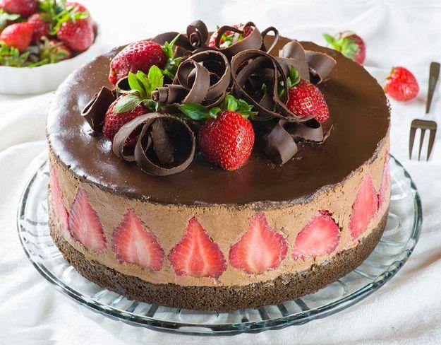 Amazing Diy Birthday Cakes Strawberry Chocolate Cake How To Make A Personalised Birthday Cards Arneslily Jamesorg