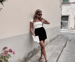 chic, girls, and italy image