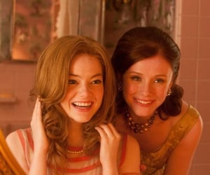 bryce dallas howard, cinema, and hilly holbrook image