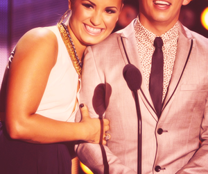 demi lovato, teen choice awards, and kevin mchale image