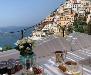 dining in italy image
