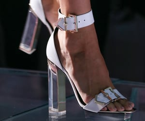 classy, heels, and Modelling image