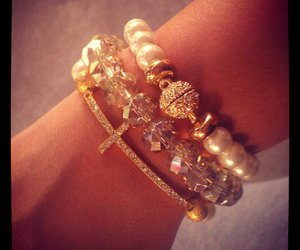 accessories, bracelet, and pearls image