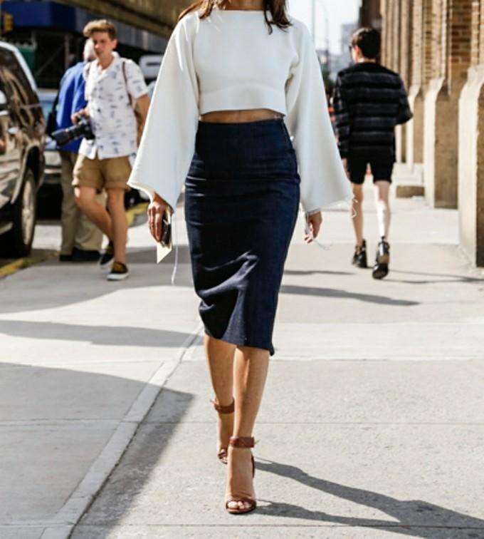 knee lenght skirt image