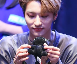 toothless, park seonghwa, and fansign image