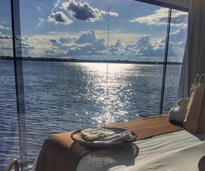 sky, bed, and ocean image