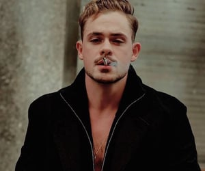 smoke and dacre montgomery image