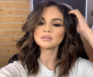 selena gomez and makeup image