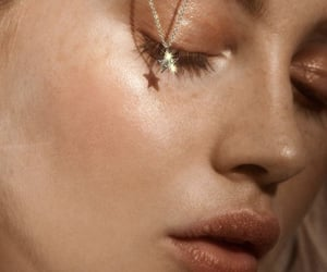 aesthetic, gold, and makeup image