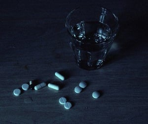 aesthetic and pills image
