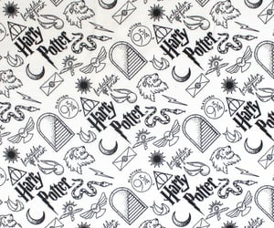 b&w, harry potter, and pattern image