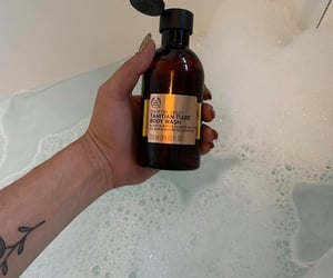 bath, body shop, and bubble bath image