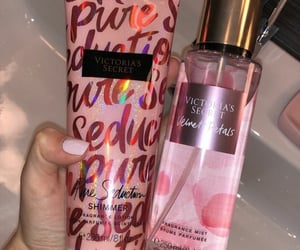 body lotion, pretty, and baddie image