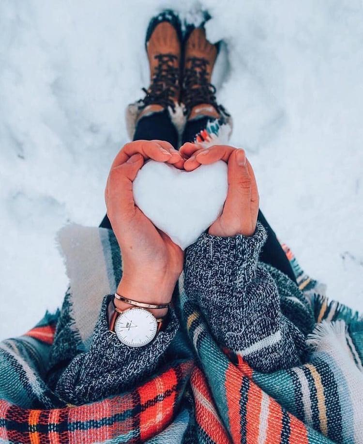 article, Skiing, and snowflake image