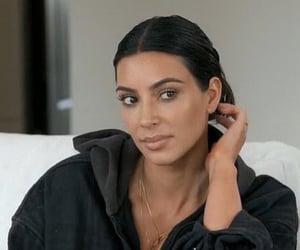 kim kardashian, reaction, and side eye image